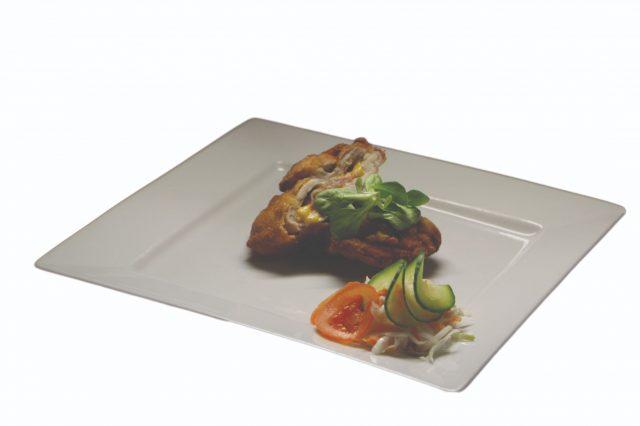 Vyprážané bravčové plnené so slaninkou a chedarom – 150g – 6,30 €