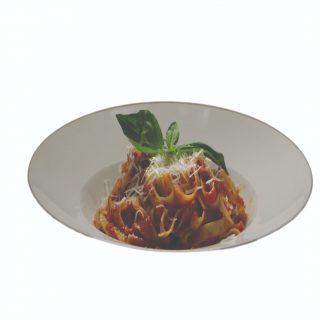 Tagliatelle s paradajkovou omáčkou, bazalkou a parmezánom – 350g – 5,40 €